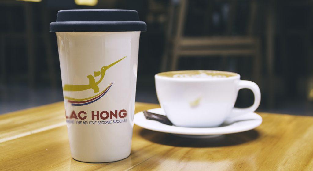 thiet-ke-logo-lac-hong-1
