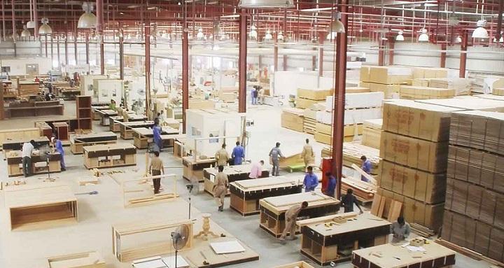 Nhận diện thương hiệu nội thất tại xưởng sản xuất