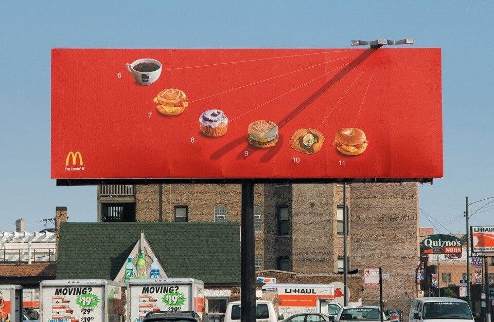 Biển bảng quảng cáo ngoài trời của McDonald's