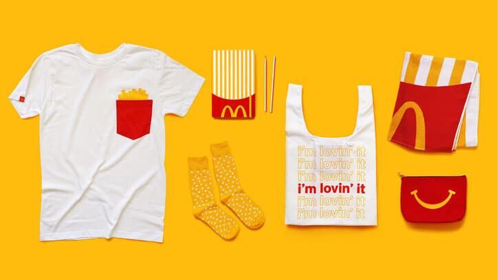 Trang phục nhân viên tại các chi nhánh của McDonald's